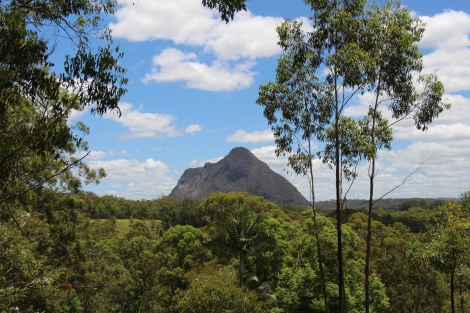 Glass House Mountains - VoyageDesFruits