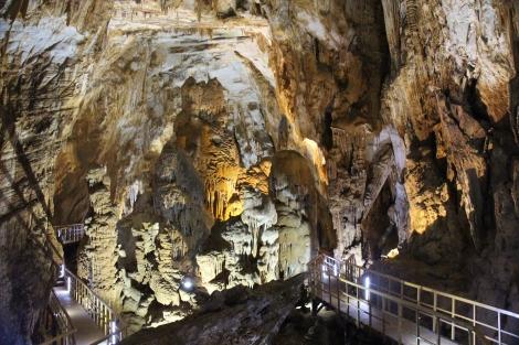 Tienson Cave
